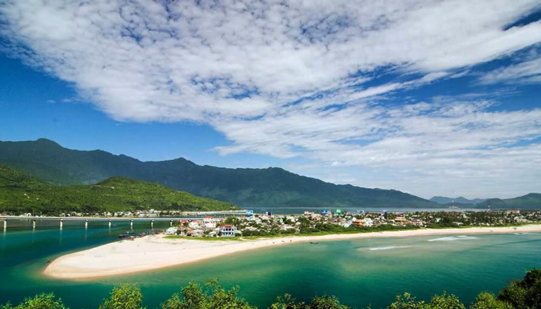 Hoi An to Hue Day Trip 2