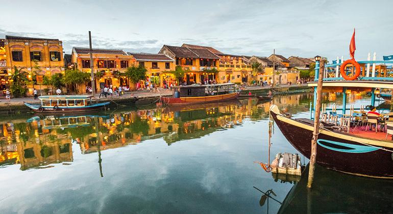 Da Nang to Hoi An taxi - Hoi An Old Town