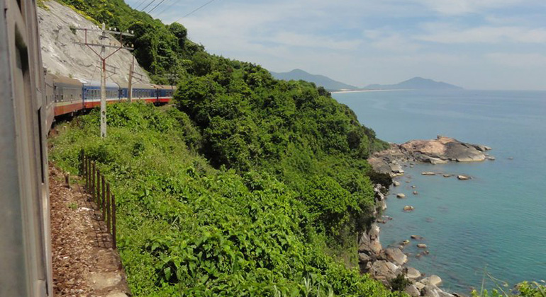 How to get from Danang to Hue by Train