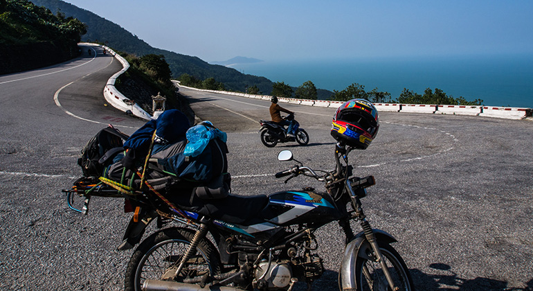How to get from Danang to Hue by motorbike