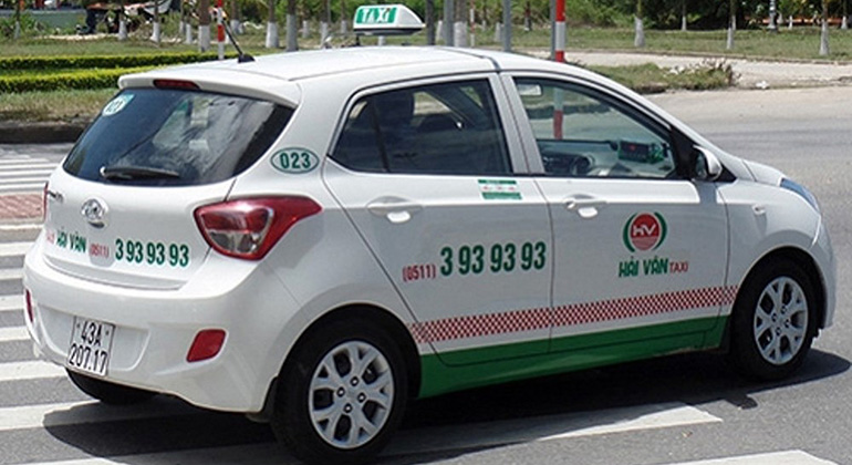 How to get from Hue to Hoi An by taxi