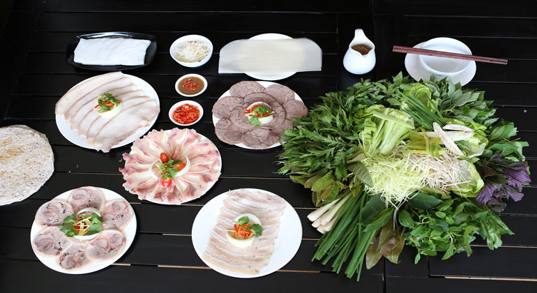 What to eat in danang - Best food in Da Nang