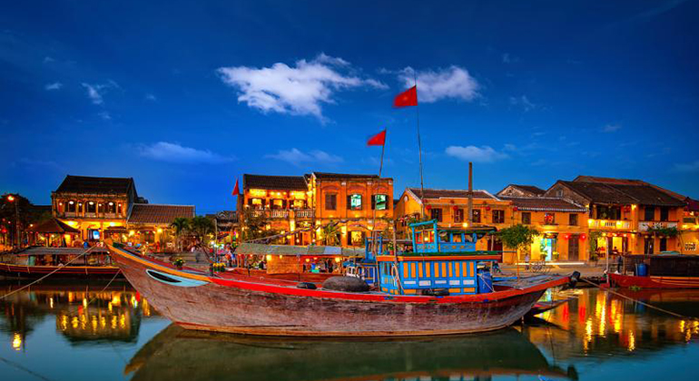 How to get from Hue to Hoi An