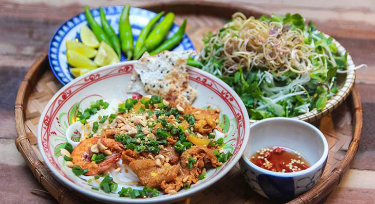 Best Restaurants in Da Nang - Mi Quang Ba Mua