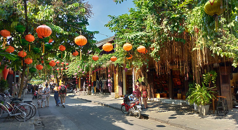 Travel from Danang to Hoi An: 1 Day Itinerary