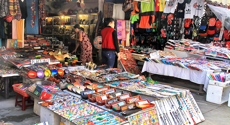 What to buy in Hoi An – Clothing, Jewerly and more!