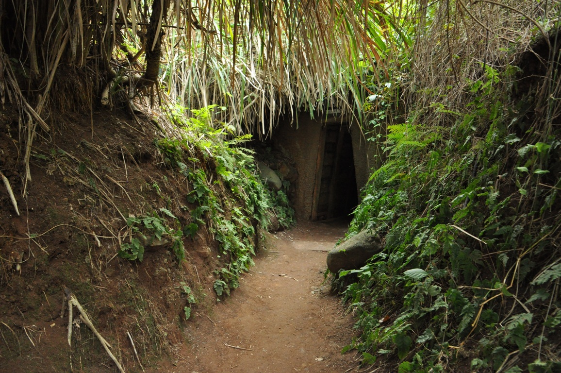 Hue to Vinh Moc tunnels by car 2