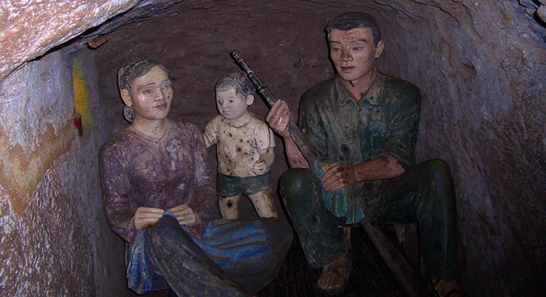 Hue to Vinh Moc tunnels by car 3
