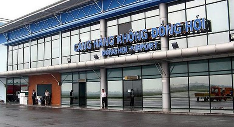 Dong Hoi airport to Dong Hoi city center by private car 1