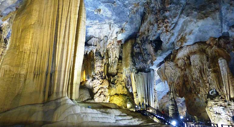 Hue to Paradise Cave by car