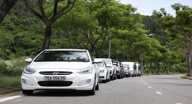 transfer from Dong Hoi to Hoi An private car 7