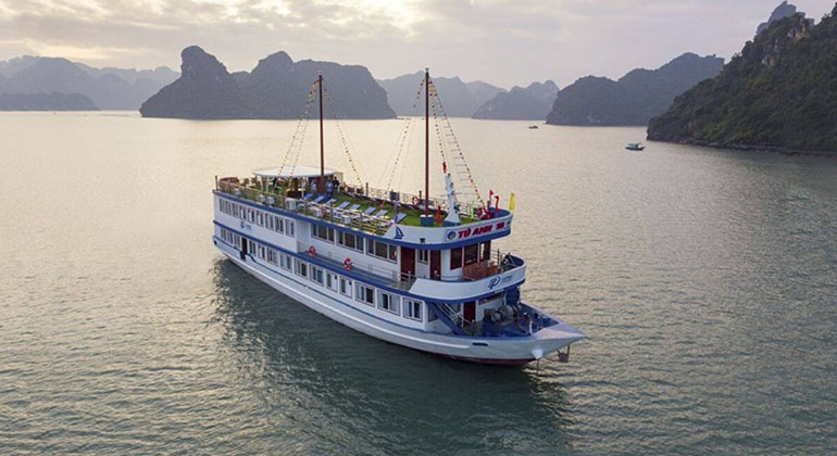 Halong Bay 2 Days 1 Night – La Paci Cruises 3 Stars