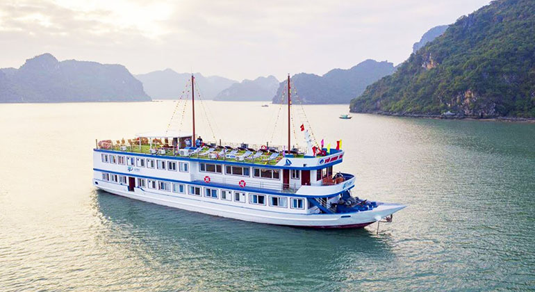 Halong Bay 3 Days 2 Nights – La Paci Cruises 3 Stars
