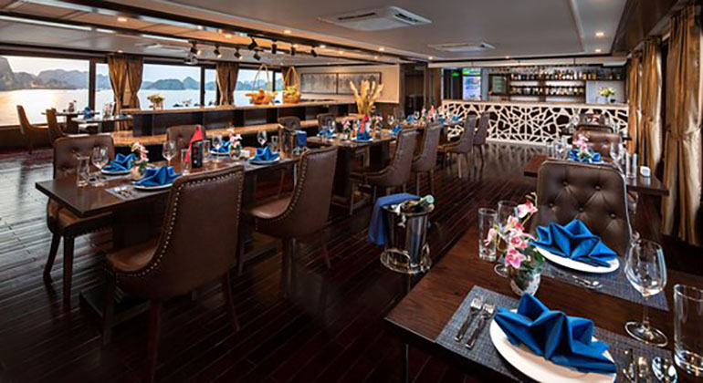 Restaurant of La Pandora Cruises